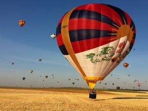 100ft High Tibet Balloon Photo: theguardian.com