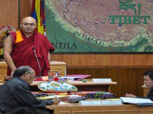 Speaker Khenpo Sonam Tenphel delivering the concluding speech Photo: tibet.net