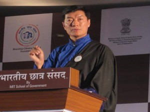 Sikyong speaking at the 5th annual national conclave of Indian students at Pune, Maharashtra Photo: Tibet.net