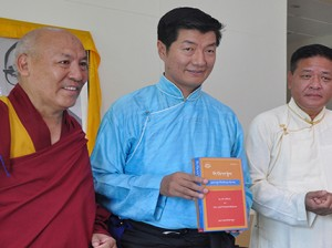 SIkyong Lobsang Sangay (centre) with Speaker Penpa Tsering of the Tibetan Parliament-in-Exile and Geshe Lhakdor, Director of Library of Tibetan Works and Archives.