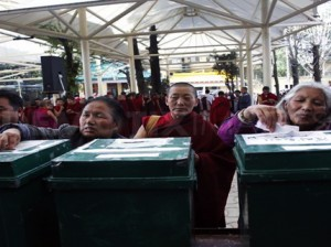 1300608129-historic-election-for-tibetans-in-exile--dharamsala_630135